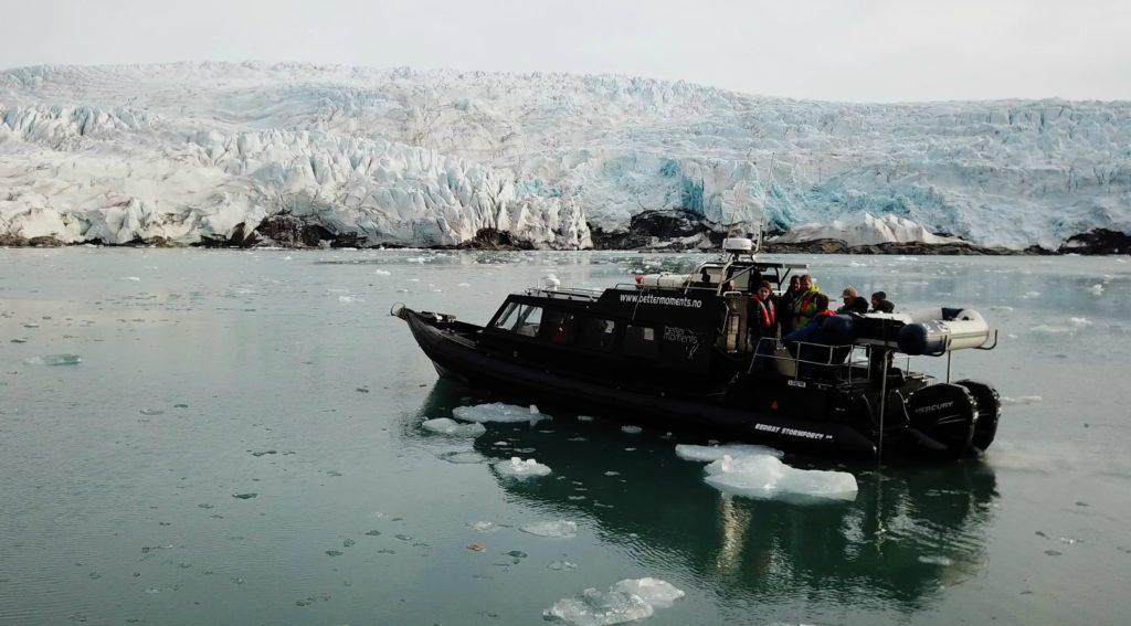 Boat trip to Nordenskiold Glacier